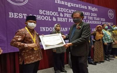SMA Negeri 1 Muaro Jambi Terima Penghargaan (IHRDP) 2020